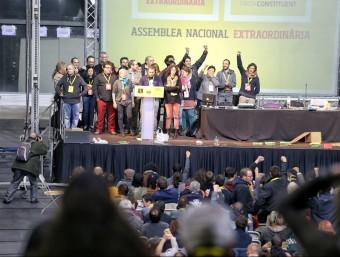 L'Assemblea extraordinària de la CUP celebrada a Sabadell per decidir la investidura de Mas.  ANDREU PUIG