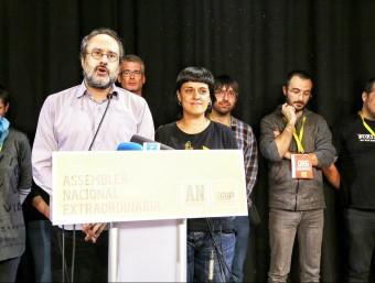 Antonio Baños i Anna Gabriel, amb altres diputats i membres de la CUP diumenge a Sabadell ANDREU PUIG