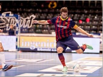 Jordi Torras, en una imatge d'arxiu amb la samarreta del Barça i el braçalet de capità L'ESPORTIU