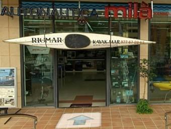 La seu de la botiga Autonàutica Milà a Cunit.