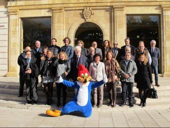 Els representants dels ens públics i privats al Palau de la Diputació de Tarragona INFOCAMP
