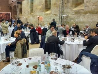 El jurat del concurs internacional Grenaches du Monde van triar els millors vins. EL PUNT AVUI