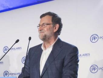 Mariano Rajoy és ovacionat durant la seva intervenció d'ahir davant la junta directiva regional del PP de Múrcia MARCIAL GUILLÉN / EFE