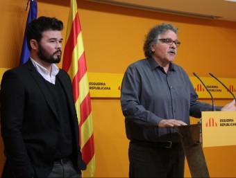 Joan Tardà, portaveu d'ERC al Congrés, acompanyat de Gabriel Rufián, ahir, acompanyat a la seu dels republicans ACN