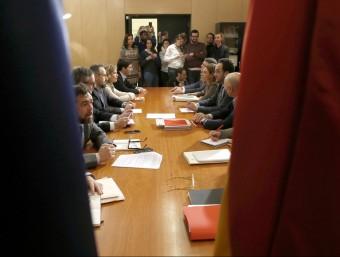Els equips negociadors de C's i PSOE, reunits aquest dimecres al Congrés EFE