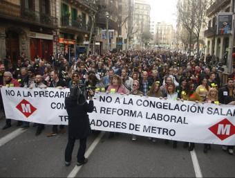 Capçalera de la protesta dels treballadors del metro, aquest dilluns a Barcelona ORIOL DURAN