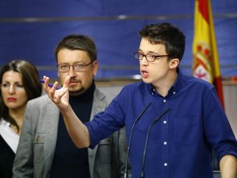 El portaveu de Podem, Íñigo Errejón, al costat del diputat d'En Comú Podem, Xavier Domèniec, aquest dimecres al Congrés EFE