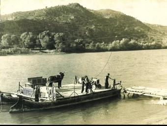 Els veïns de Benifallet havien de travessar l'Ebre amb el pas de barca per anar a les finques agrícoles. CEDIDA