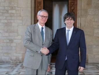 Puigdemont rebia ahir al president del Cercle d'Economia, Anton Costas.acn
