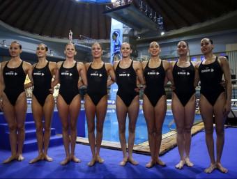 Les integrants de la formació d'equip de natació sincronitzada que competirà a partir d'avui per anar a Rio EFE