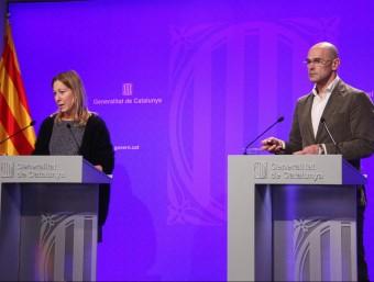 La consellera de la presidència, Neus Munté, i el conseller d'Afers Exteriors, Raül Romeva, ahir, després del consell executiu ACN
