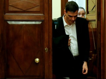 Pedro Sánchez, ahir, a la sortida de l'hemicicle, després d'haver rebut una segona negativa a ser investit efe