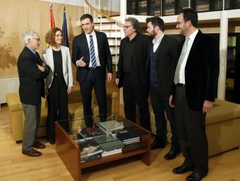 El grup de diputats i senadors d'ERC, el dia de la reunió amb la representació del PSOE presidida per Pedro Sánchez EFE