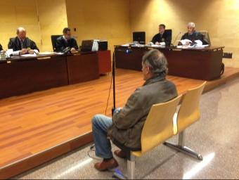 Riera, ahir a la sala de vistes de la secció tercera de l'Audiència de Girona G. PLADEVEYA