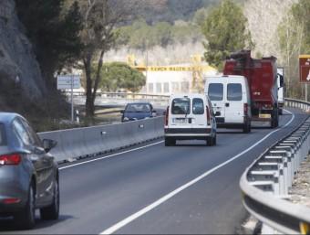 Mitjana de formigó entre Sant Vicenç de Castellet i Castellgalí, en direcció a Manresa, instal·lada per evitar els xocs frontals i els accidents mortals O. DURAN