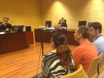 Cimpeanu, ahir, a la secció tercera, amb la intèrpret a la seva esquerra i la fiscal al fons G.P