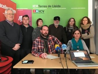 Suport a la regidora Laia Martí, asseguda, per part d'ICV i membres de les confluències d'esquerres a Ponent J.T