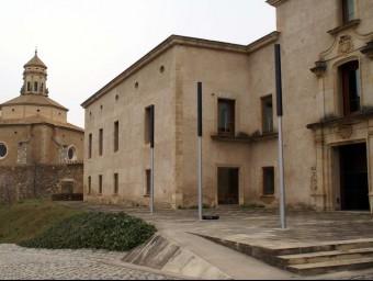 El Pla Especial contempla una petita coberta entre e Palau de l'Abat i el monestir J.L.E