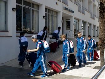 Diversos jugadors d'un equip participant en el MIC 2015 mentre entraven a l'hotel I.B
