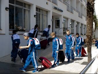 Jugadors d'un equip participant en el MIC`15 mentre entraven a l'hotel.IMMA BOSCH