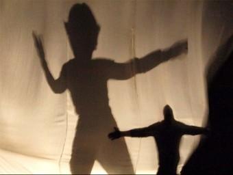Atelier della Luna aprofundirà en el taller que es farà al mes de juliol en les possibilitats del teatre basat en ombres EPN