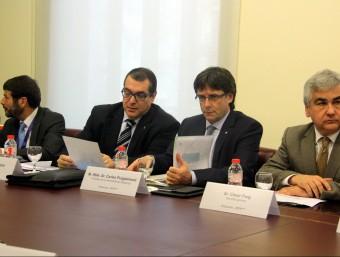 D'esquerra a dreta, el director general de la policia, Albert Batlle; el conseller d'Interior, Jordi Jané; el president de la Generalitat, Carles Puigdemont; i el comissari en cap dels Mossos, Jospe Lluís Trapero, a la reunió del Gabinet de Coordinació ACN