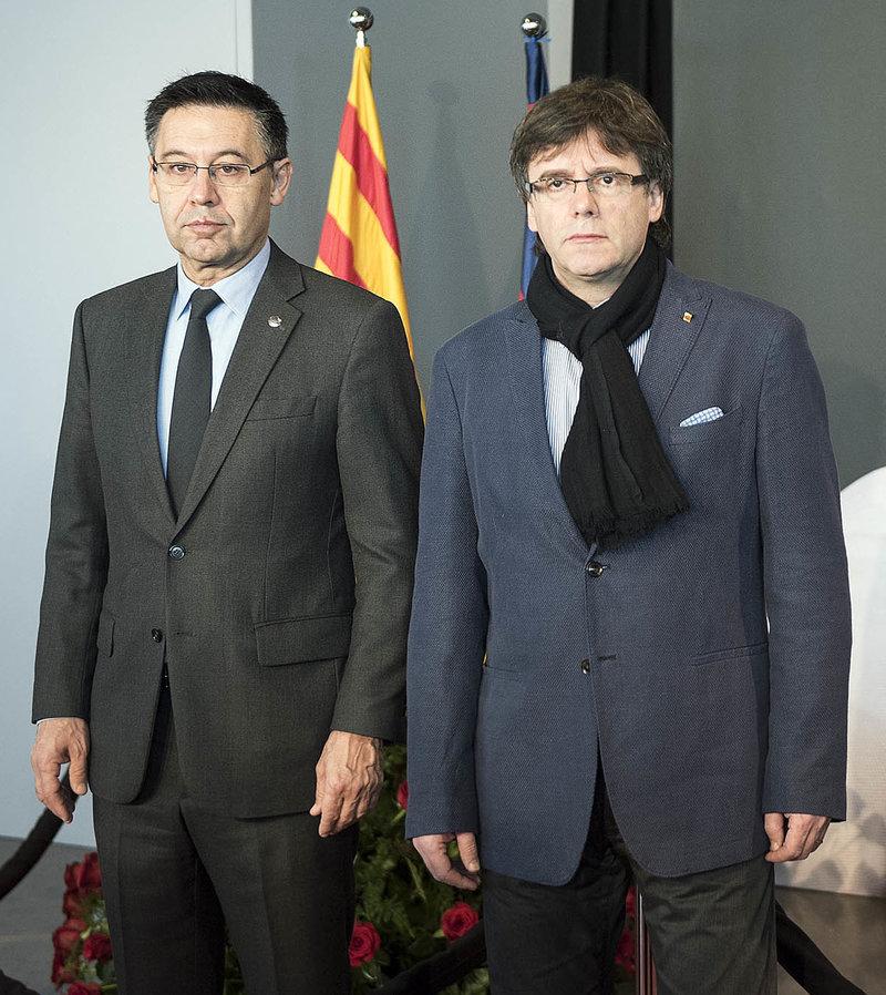 ¿Cuánto mide Carles Puigdemont? - Estatura - Real height 780_0008_5448587_6b09db15ea33c508136ff9c77651f16a