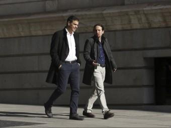 Pedro Sánchez i Pablo Iglesias, abans d'entrar a la reunió EFE