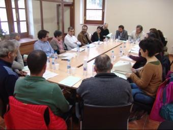 Imatge de la reunió que es va fer a Collbató a mitjans de mes per impulsar el Parc Rural de Montserrat. EPA