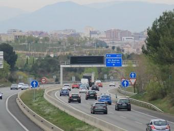 Tram de la C-58 entre Sant Quirze i Sabadell en direcció a Barcelona que s'ha d'ampliar amb un tercer carril J.A