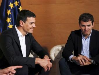 Pedro Sánchez i Albert Rivera en la reunió que van mantenir el 29 de març REUTERS