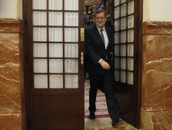 El president espanyol, Mariano Rajoy, ahir, sortint de l'hemicicle del Congrés dels Diputats EFE