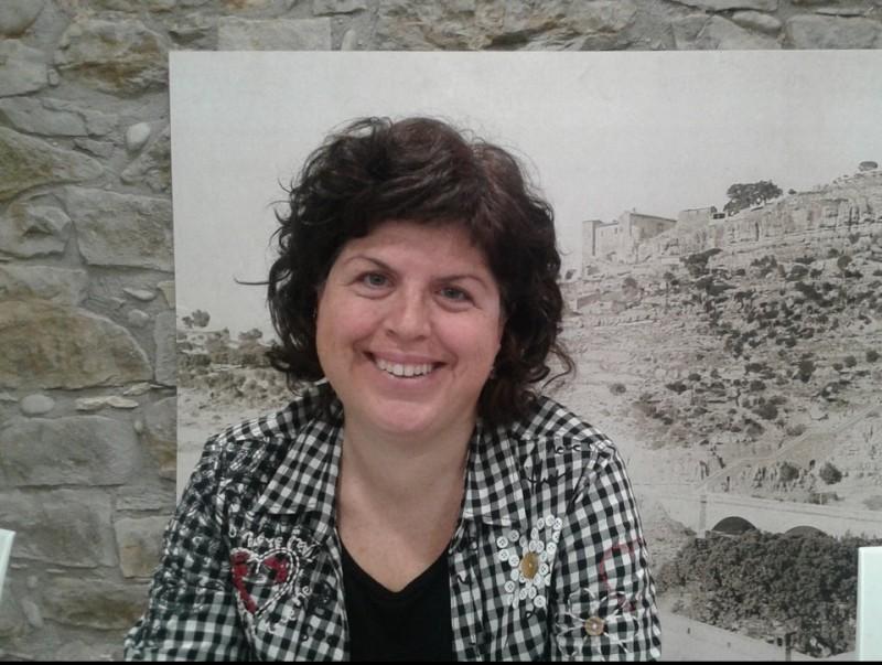 L'alcaldessa de Castellbell i el Vilar, Montse Badia, a la zona nova de l'Ajuntament. M.V
