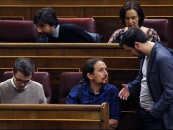 El líder de Podem, Pablo Iglesias, i el portaveu d'IU, Alberto Garzón, ahir al Congrés dels Diputats EFE