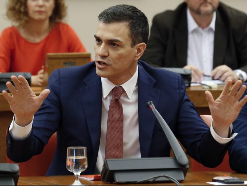 El secretari general del PSOE, Pedro Sánchez, reunit aquest dimecres amb el grup socialista al Congrés EFE