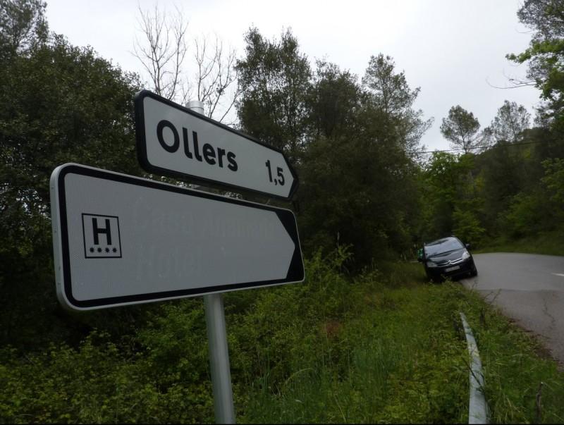 Un dels dos indicadors de l'hotel del trencant d'Ollers, dijous al migdia. R. E
