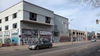 Les naus de la carretera Barcelona, un sector que els republicans veuen prioritari transformar. JOAN SABATER