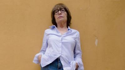 Antònia Vicens , escriptora de prosa, novel·la i poesia, guanyadora dels Premis Nacionals de Cultura, a Santanyí, el seu poble natal. LLEONARD MUNTANER