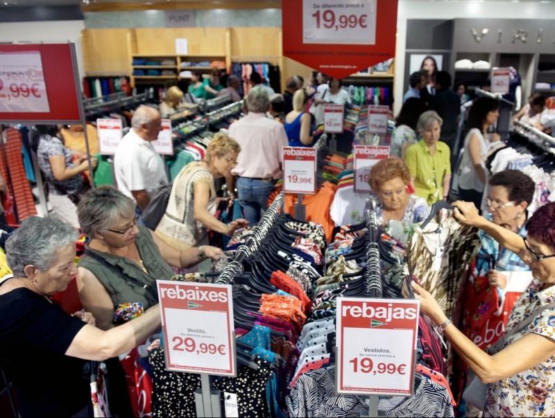 Les companyies s'adapten als hàbits de despesa dels jubilats  ARXIU