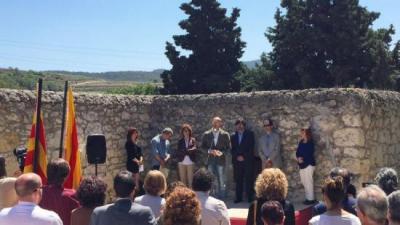 Romeva, durant l'acte d'inhumació de les restes de víctimes de la guerra civil al cementiri municipal de Sant Pau d'Ordal ACN