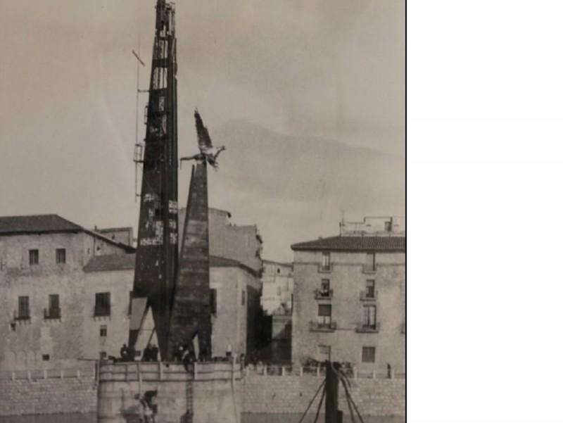 La construcció del monument es va acabar el 1964. J.DAUFÍ