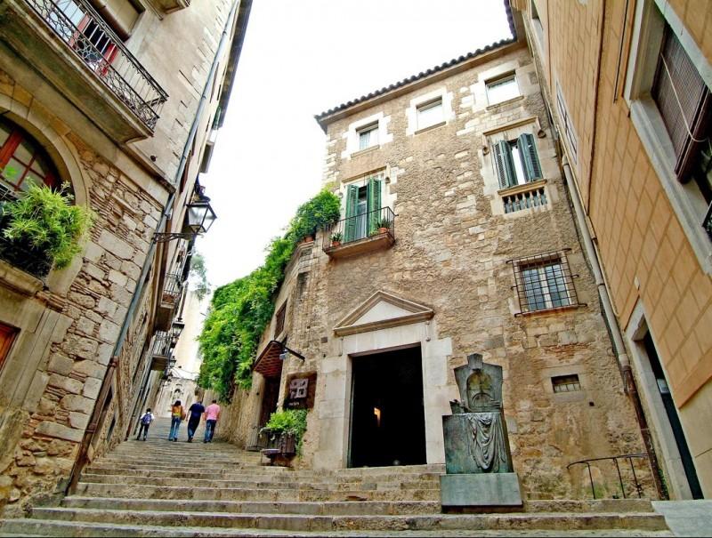 Girona's El Call, the citys' medieval Jewish quarter.  JORDI SOLER