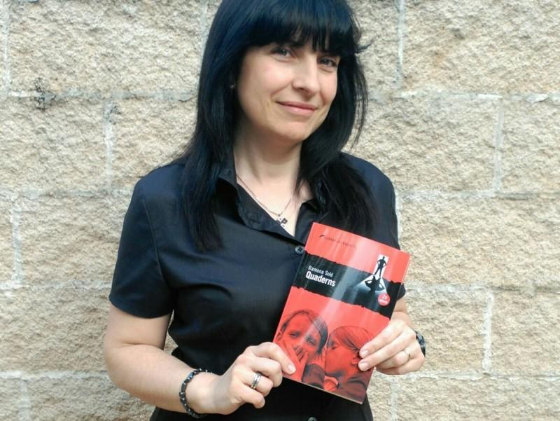 Ramona Solé ha debutat amb un 'thriller' ambientat en un petit poble de Lleida EL PUNT AVUI