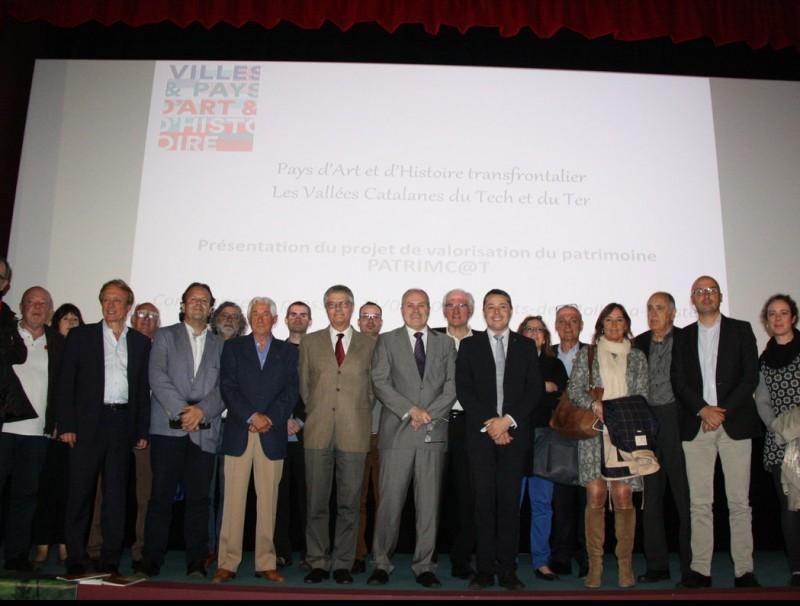 Alcaldes i altres autoritats, ahir a Prats de Molló ACN