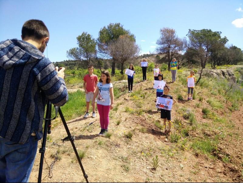 Els alumnes de l'Escola ZER de Maians han participat en un documental sobre com van viure l'incendi. ESCOLA ZER MAIANS