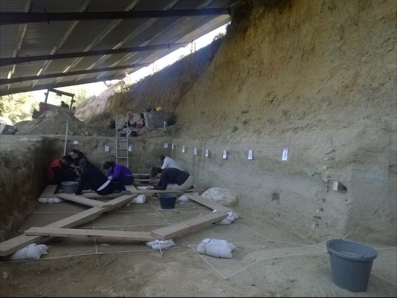 Les darreres excavacions a la zona de La Boella han descobert restes de sílex i òssies de molta antiguitat. IPHES / INFOCAMP