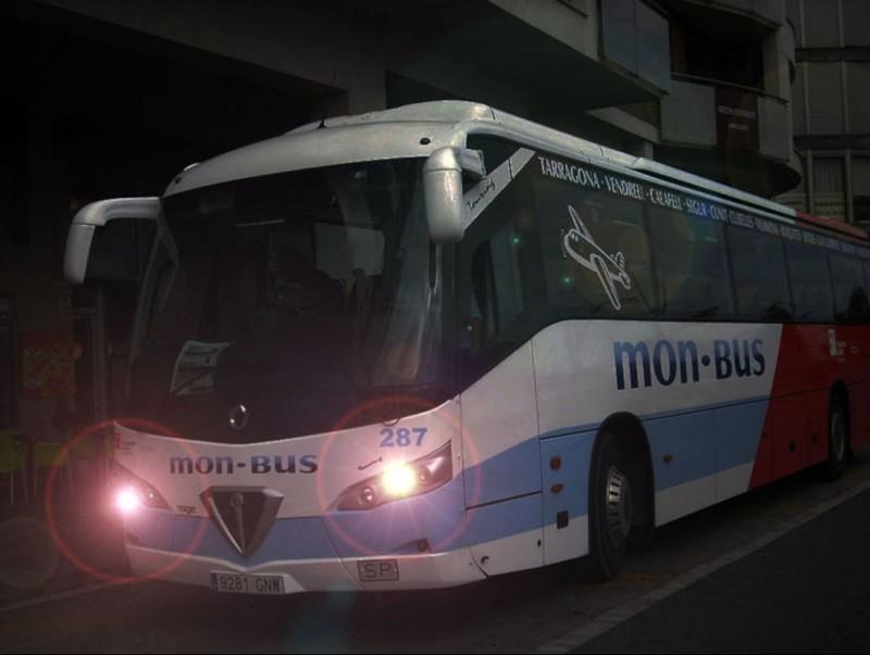 L'autobús nocturn uneix Vilanova i el Vendrell tot l'estiu.