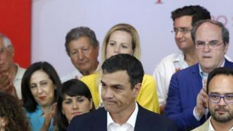Pedro Sánchez ahir a quarts de dotze de la nit en comparèixer davant la militànica del PSOE EFE
