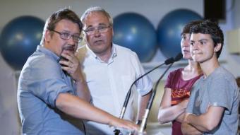 Xavier Domènech, amb diversos dels diputats electes d'En Comú Podem, ahir a l'estació del Nord de Barcelona JOSEP LOSADA