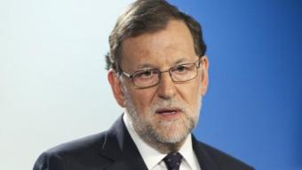 Mariano Rajoy va comunicar la disposició a trucar Sánchez (PSOE) i Rivera (C's) ahir a Brussel·les HORST WAGNER / EFE